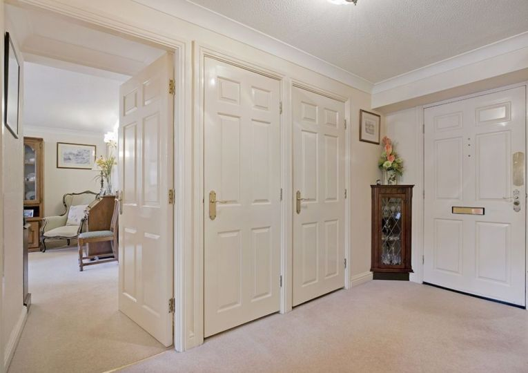 18 Listers Court Cunliffe Road