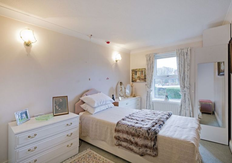 22 Listers Court Cunliffe Road