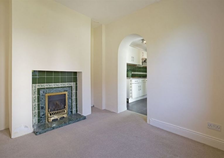 1a Newfield Drive