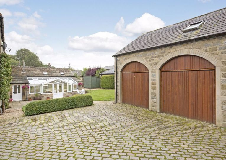 2 Greenholme Barn Leather Bank