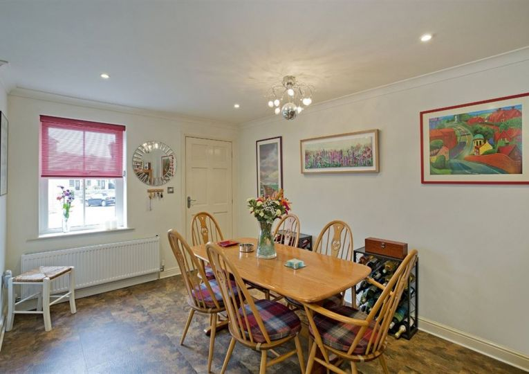 10 Mickle Hill Mews
