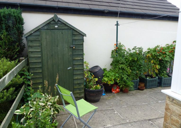 18 Airedale Mews