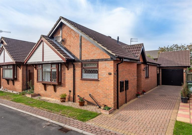 10 Fawkes Drive