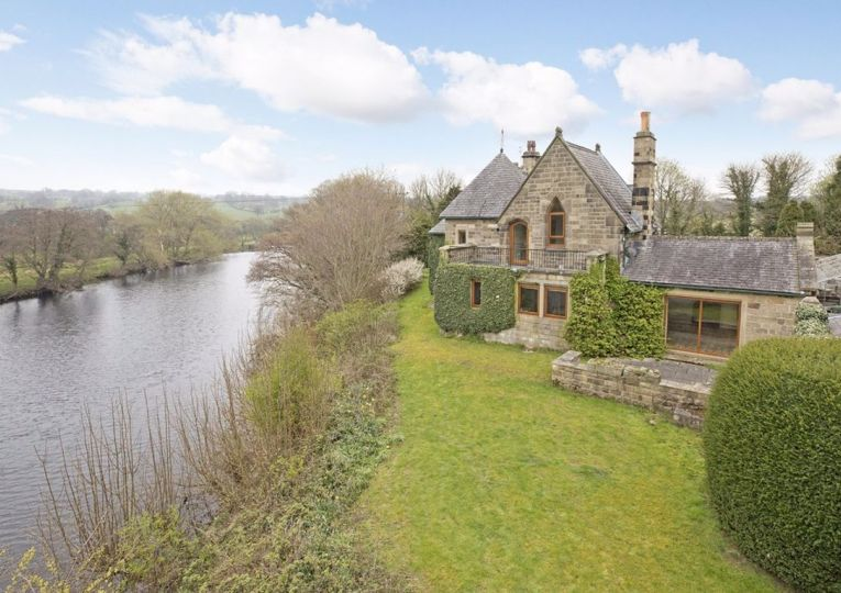 3 Wharfeside Cottages, Leather Bank