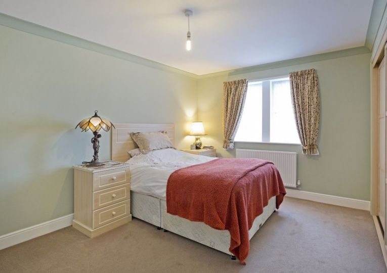 1 Conyers View Clevedon