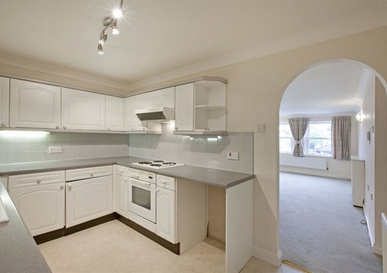 34 Listers Court Cunliffe Road