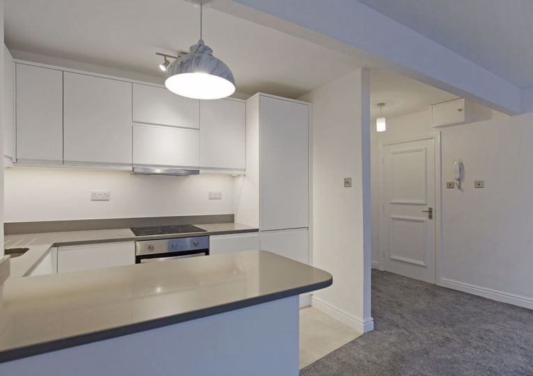 Flat 2 8 West View