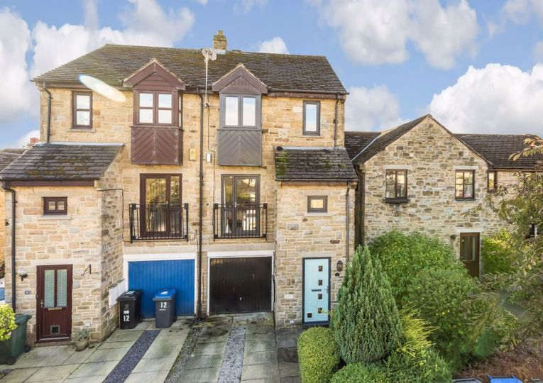 10 Airedale Mews