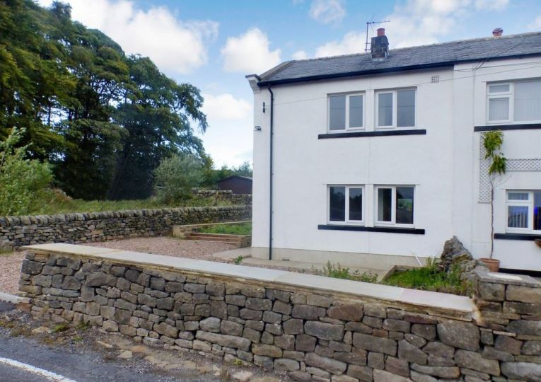 3 New Cottages Heights Lane