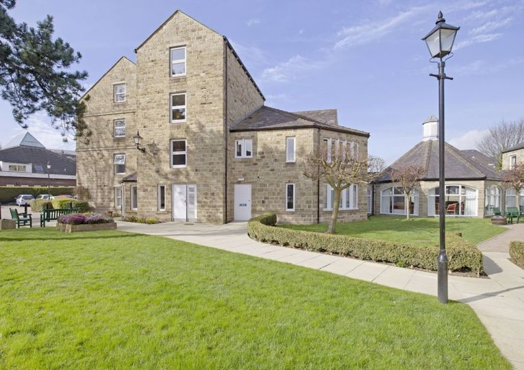 33 Listers Court Cunliffe Road