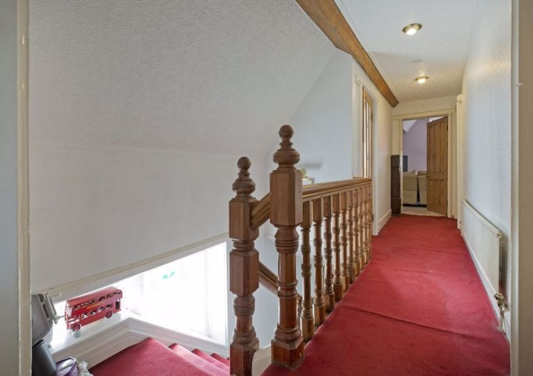 Flat 3 Wharfe Cote 13 Wheatley Lane